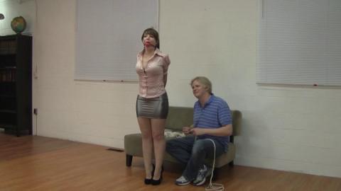 Madalynn Raye & Elizabeth Andrews - Madalynns Introduction To Bondage