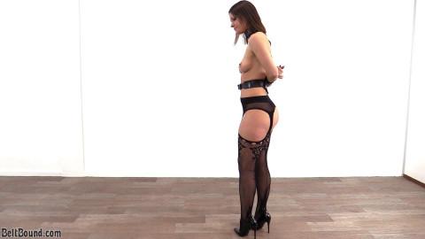 Melisa Mendini in the box tie single-glove