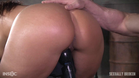 The Stunning Syren De Mer is Rode Hard and Put Up Wet!