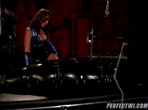 HD Bdsm Sex Videos Bizarre Latex Couple and rubber bottom