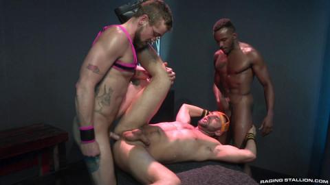 Threesome dancing fucking