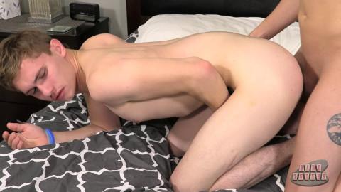 Darron Bluu and Trey Woods - Trey Bangs His Raw Buddy