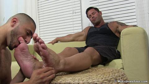 Zeak Worships Joeys Feet