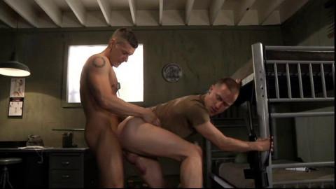 Muscle Majors Fuck At Barracks