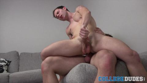 CollegeDudes - Michael Boston Giving Head To Danny Wilcox
