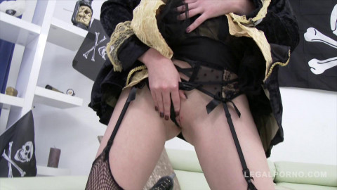 Halloween treat! Linda Sweet triple anal