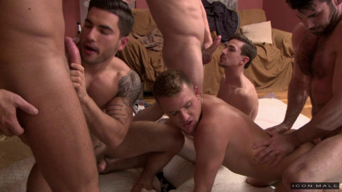 Amazing Orgy With Sexy Muscle Males