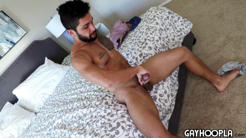 Big, muscled Texan Stud Stephen Mann with a Big Dick