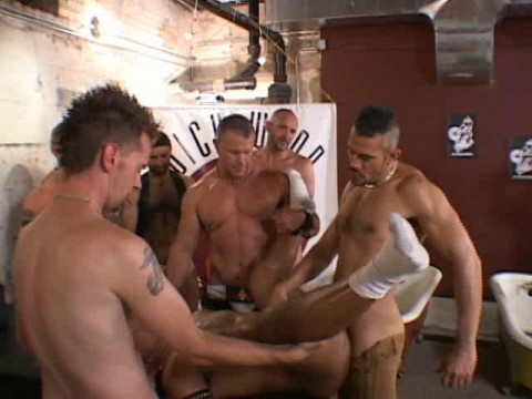 Fetish Orgy At Chicago