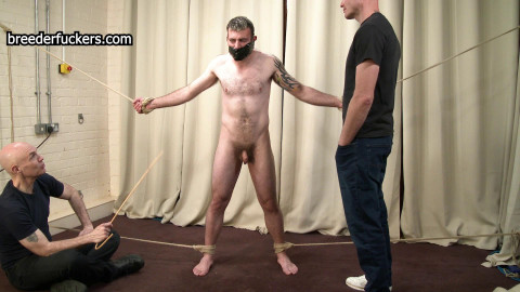 Gareth - Penetrated Till He Pisses Himself