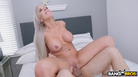 A Creampie For my Best Friend's Mom