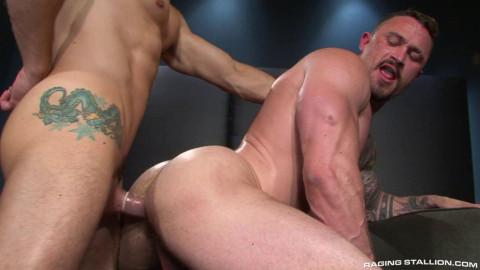 Massive muscle man bareback