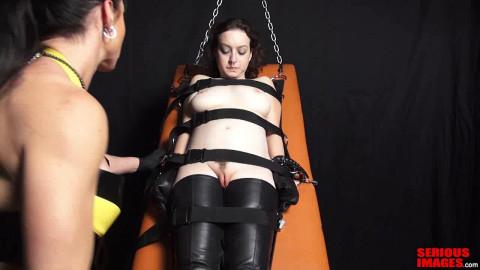 SI - Mistress Miranda Dixon Gasmask Play