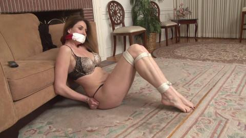 Bdsm HD Porn Videos Self Bondage Fun with Jamie Lynn