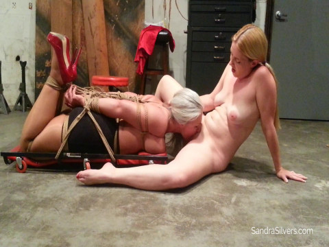 Lady Mechanic Lisa Demands Oral Sex From Buxom