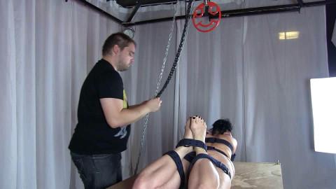 Girl-Girl Belt-Experience 1