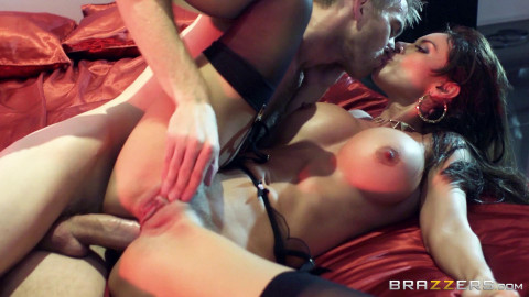Hot Latina Babe In Sexual Underwear