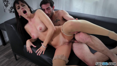 Alana Cruise - Dating Experience (2018)