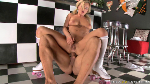 Sexy Blonde Hottie Gets Anally Stretched By Client