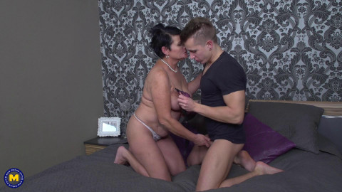 Freya - Kinky mature Freya doing her toyboy FullHD 1080p
