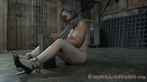 Inter BDSM bondage young girls