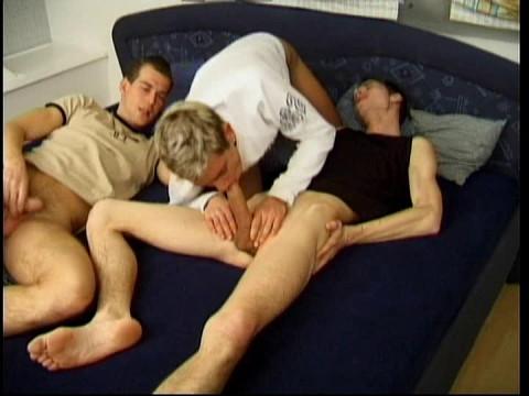 Bareback Sex With Cum Guzzlers