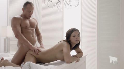 Jenifer Jane - Enticing sex session with stunning Czech vixen (2018)