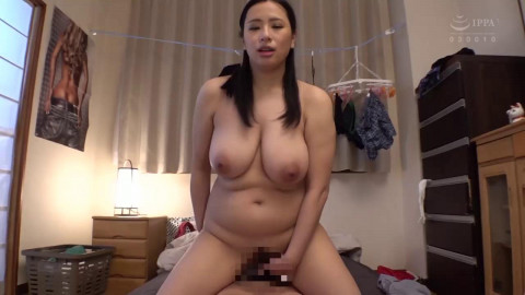 Erotic! Sloppy! A Wifes Big Breasts, Big Ass, Plump Body And Pheromone Juices