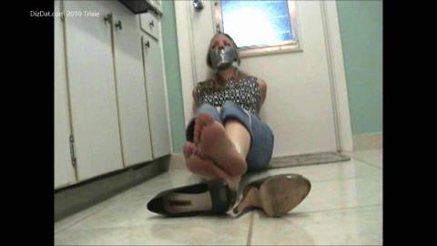trixie in kitchen
