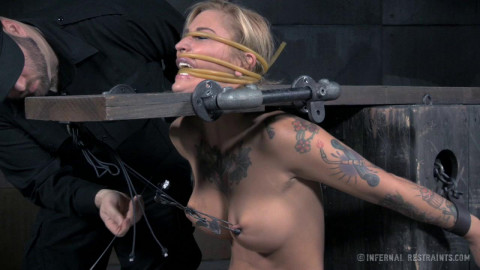 Slut Delivery - Only Pain HD