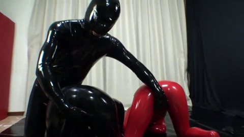 Super tying and domination for 2 hawt angels in latex