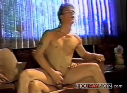 Bijou Video – The Heat Goes On (1986)