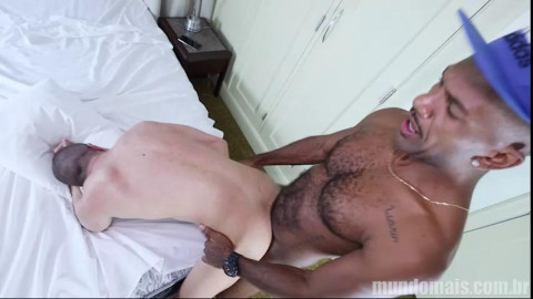 Caio Ferraz - Caio Carioca peludo