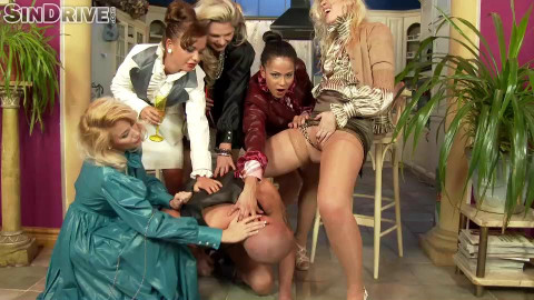 Frivolous Housewives: Mouthfuls Of Piss And A Sissy Dick To Fuck With