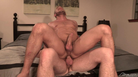 Fat cock for muscle ass