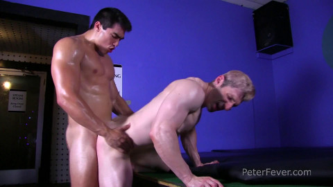 PeterFever Kink Episode 3: Oil Wrestling