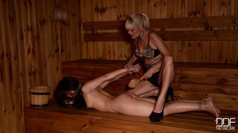 Jasmine Rouge, Aurelly Rebel - Sauna Captivity