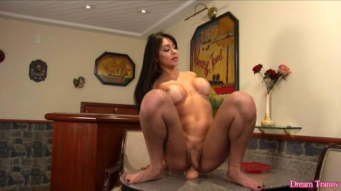 TS Jessy Lemos - Well, She Is Pretty - Full HD 1080p