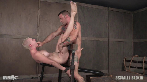 Riley Nixon brutally pounded by 2 dudes