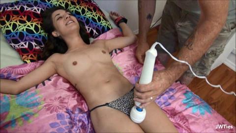 HD Bdsm Sex Videos Tiny Freya Is So Ticklish