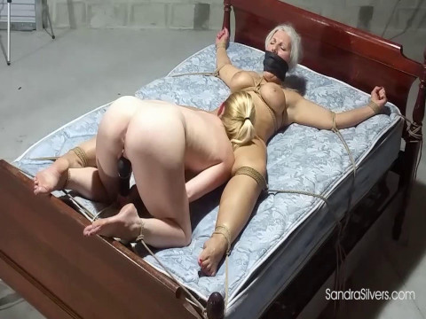 Oral on Spread Eagle Curvy Captive! - Sandra Silvers & Lisa Harlotte