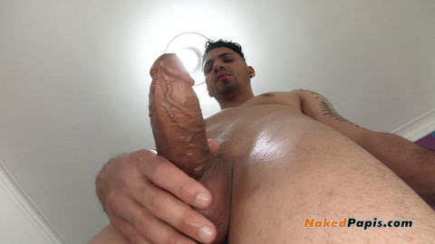 NakedPapis Edgy