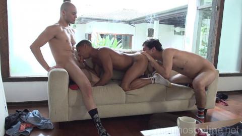 Meninos OnLine - Junior Peixoto, Leo Felipo and Cesar Cutte