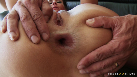 Naughty Hottie Gets Fucked Hard by Four Dudes