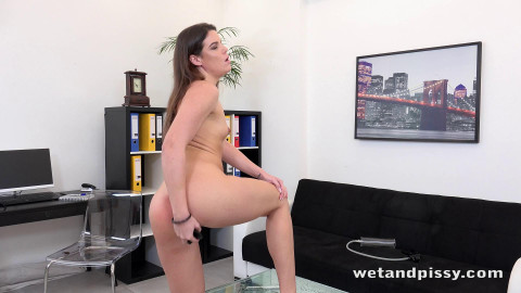 Vany Ully - Office Piss Play