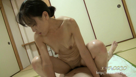 Skinny 38-year-old Japanese woman on the casting
