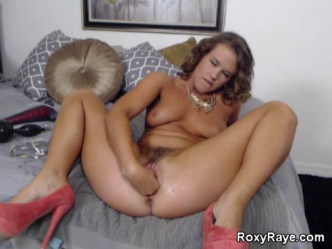 Veronika Decides to finish on fingertips