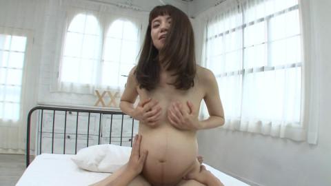 Tokimeki-Sheis a pregnant woman