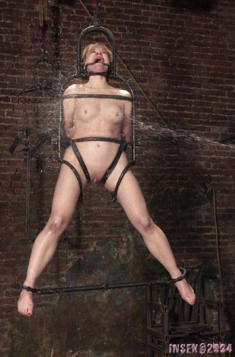 Insex - Bridge 2 - Anna, 33