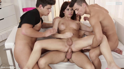 Orgy With Hot Trans